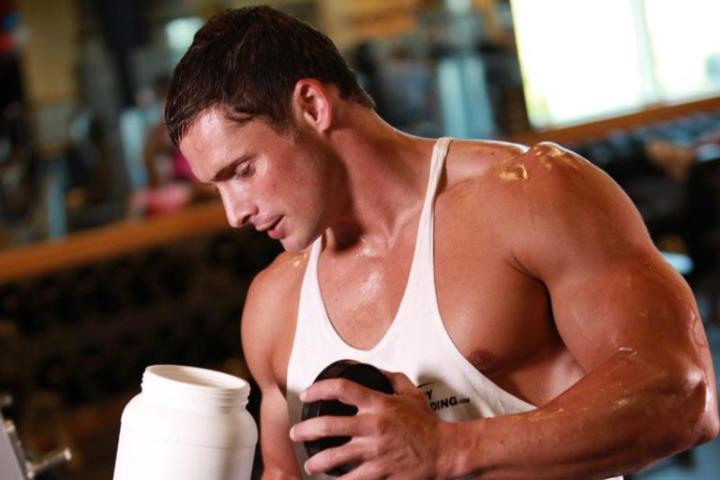 Гейнер или протеин: что лучше для набора мышечной массы